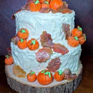 Fall Leaves and Pumpkins Cake Design