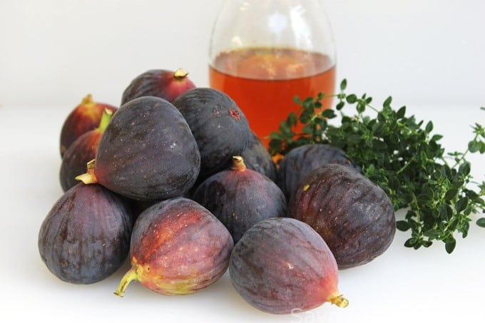 Fresh Figs with Thyme and Honey