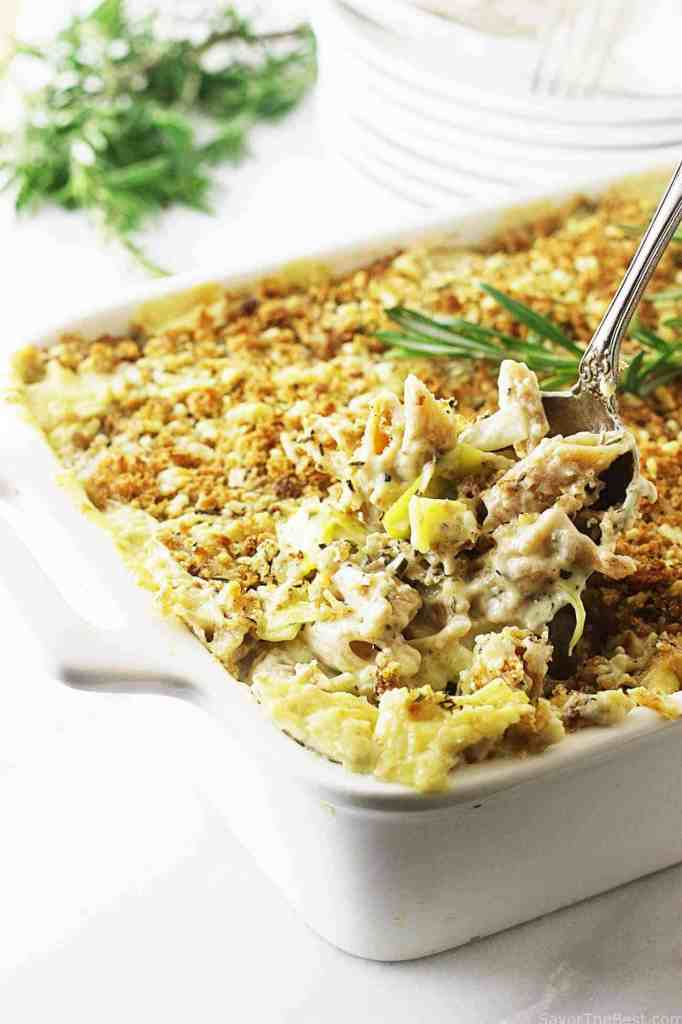 einkorn pasta bake with cheese and leek