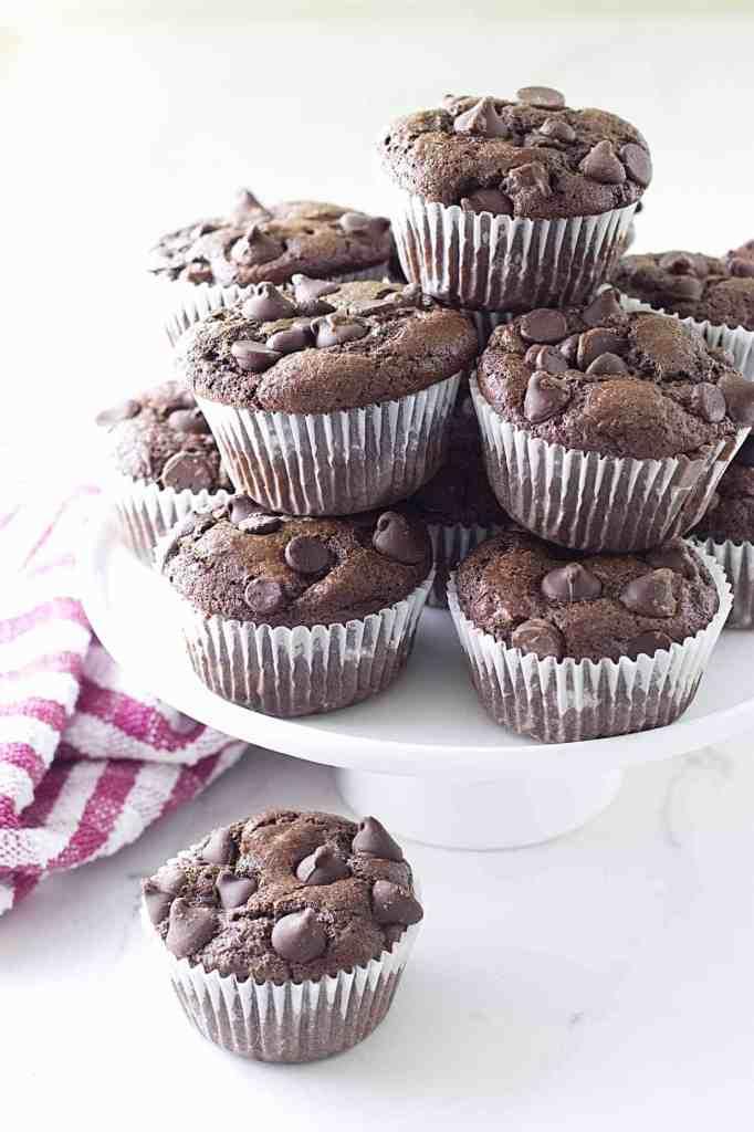 einkorn chocolate banana muffins