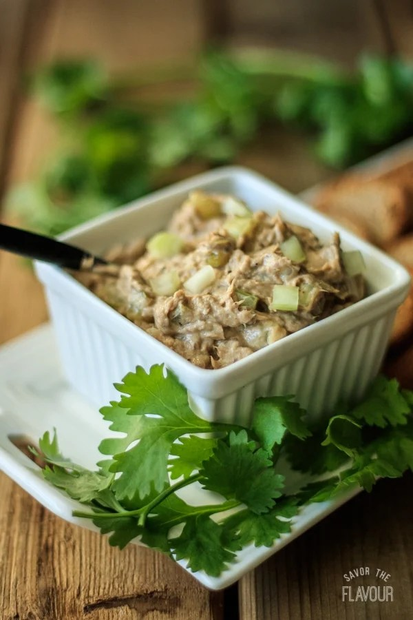 Creamy Sardine Salad: a quick and easy recipe for a healthy, low carb appetizer or lunch! It has a delightful crunch from chopped celery, pickles, and onions. | www.savortheflavour.com #sardinesalad #sardines #canned #tinned #quicklunchrecipes #appetizers