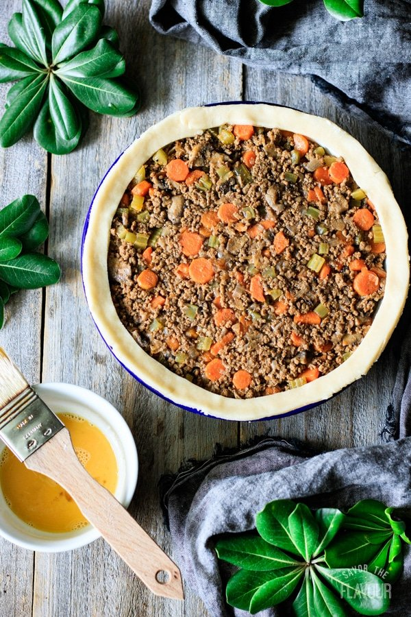 filling for minced beef pie in the pie dish