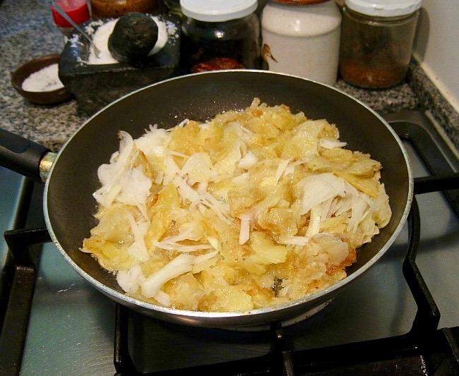 Tortilla Espanola on the stove