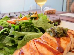 Grilled salmon and vegetables with Weingut Loimer Grüner Veltliner.