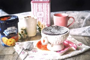 molten-chocolate-microwave-mug-cake