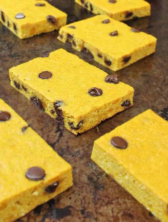 Chocolate Chip & Kabocha Breakfast Bars {Recipe}