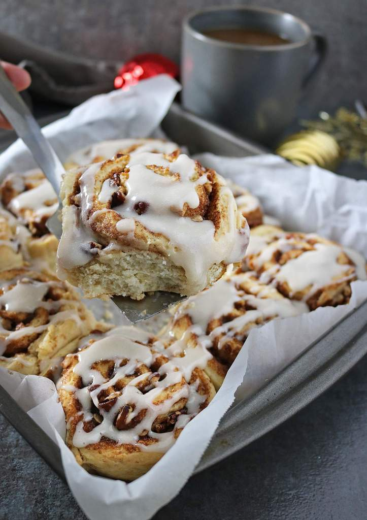 Easy Cinnamon Rolls With International Delight® Coffee Creamer