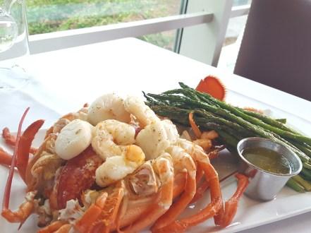 ri-hemenways-stuffed-seafood