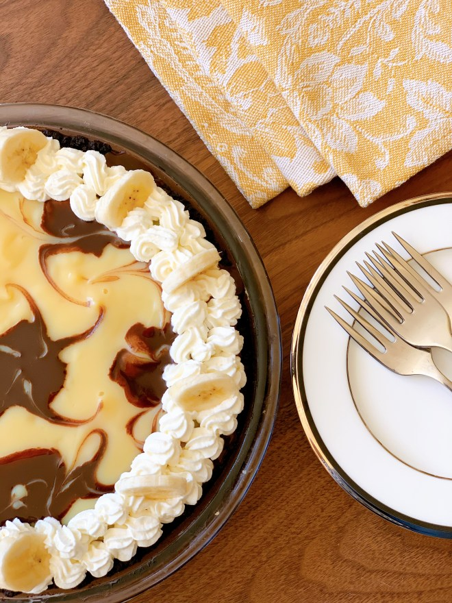 Chocolate-Marbled Banana Cream Pie - ready to serve