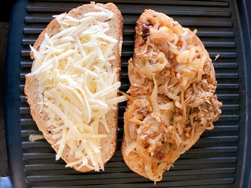 how to assemble a pulled pork Canadiano sandwich