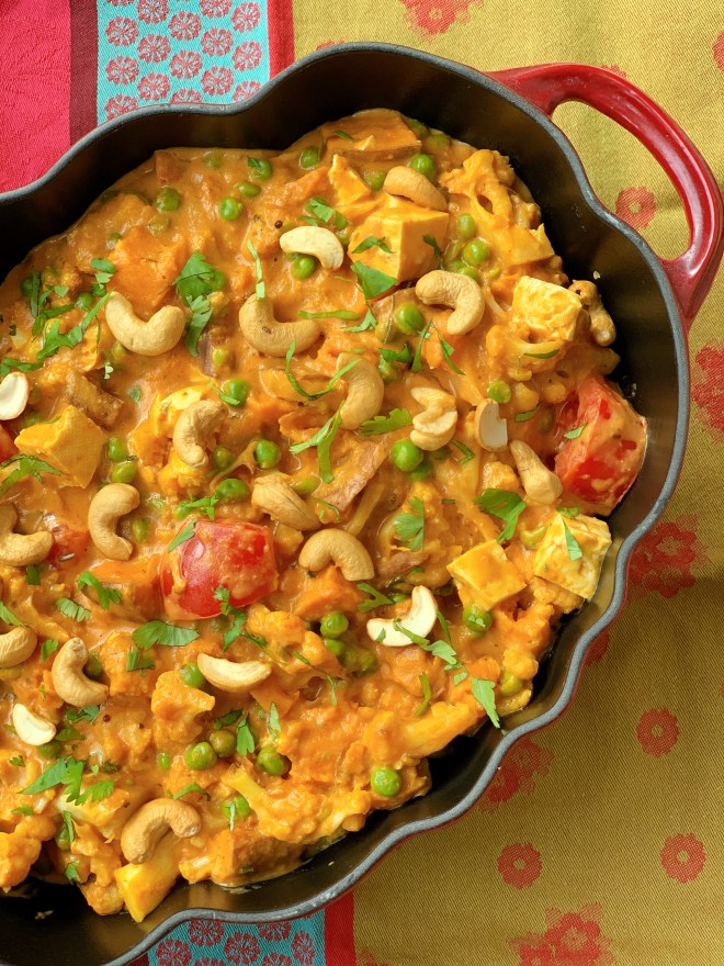 Roasted Cauliflower and Tofu Korma - top down view - close up