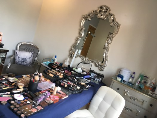 Make up station and mirror