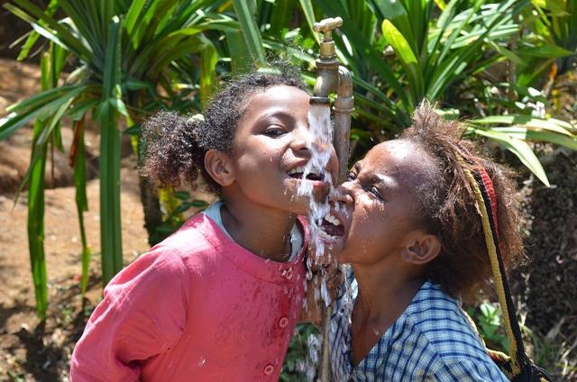 Deca od najranijeg doba počinju sa seksualnim odnosima (Foto: Wittyfeed.com)