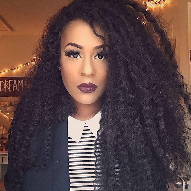 Girls-Wearing-Dark-Lipstick (23)