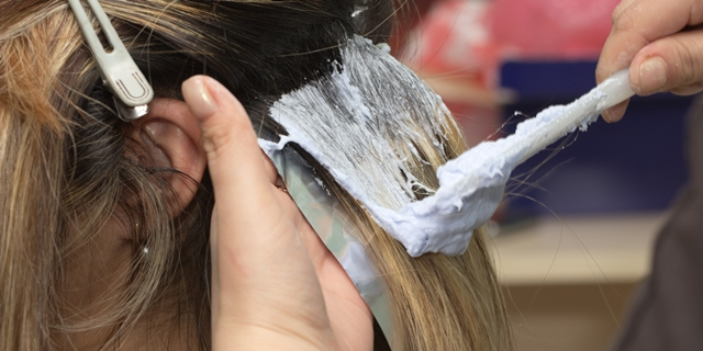 Neophodno je dobro se informisati pre odluke o promeni boje kose (foto: HuffingtonPost)