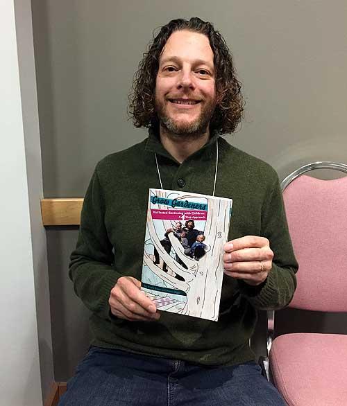 Steven Biggs with Grow Gardeners book