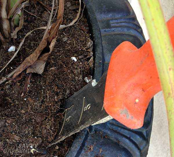tough garden tools: soil knife