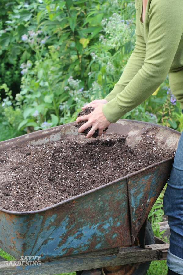 How to make your own homemade potting soil mixes.