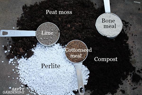 DIY Potting Soil: 6 Homemade Potting Mix Recipes for the Garden