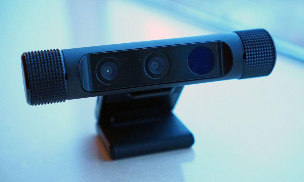 Razer Stargazer Review – The Depth-sensing HD Webcam with Intel RealSense Technology