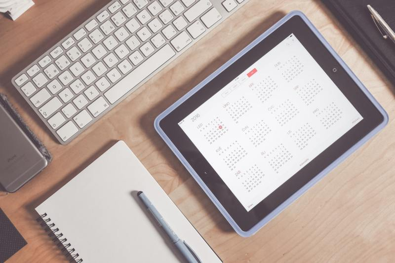 digital calendar keyboard and pen
