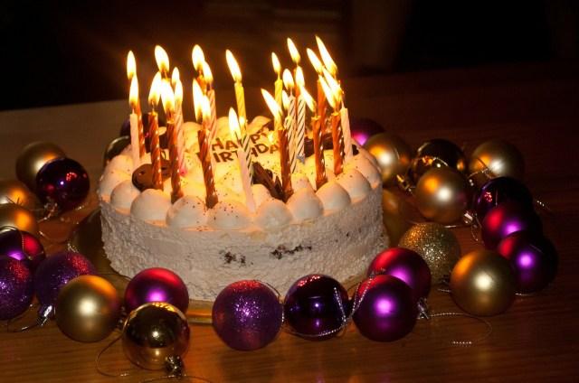 เหตุผลที่ต้องปักเทียนวันเกิดมากกว่าอายุจริง สุขสันต์วันเกิด sawadd