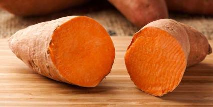 Sweet Potato vs Yam / Mat | Skillnaden mellan liknande föremål och termer.