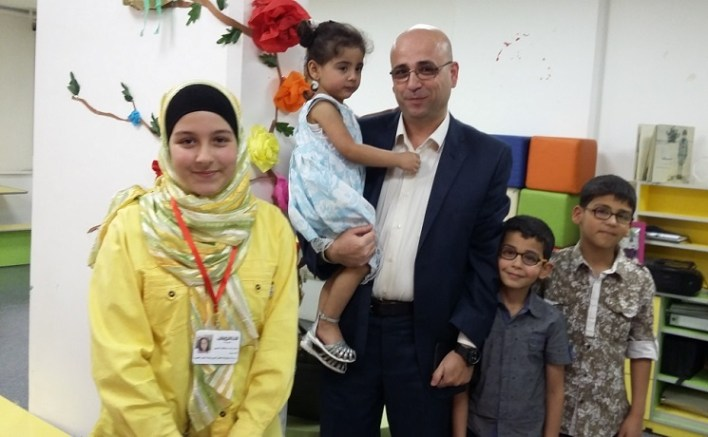 شام البدور مع أستاذ يوسف والطفلة الصغيرة ليان