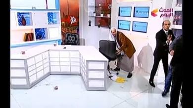 Photo of ضرب وشتائم بين داعية وباحث ببرنامج تلفزيوني مصري / فيديو