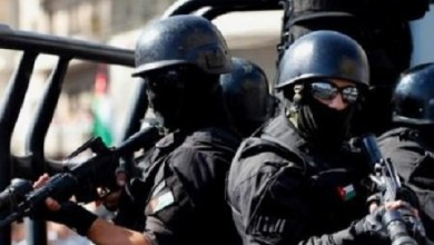 Photo of أسلحة ومخدرات بحوزة اشخاص من جنسية عربية