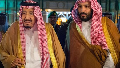 Photo of الغارديان: الملك سلمان يجرد ابنه من صلاحياته المالية والأخير يرد بعدم حضور الإجتماعات