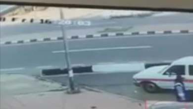 Photo of فيديو صادم… سائق يدهس شابين عمداً بكل وحشية