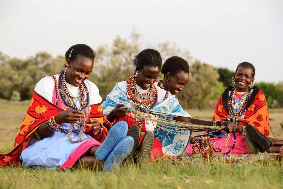 Maasai women beading in Kenya sawa sawa collection
