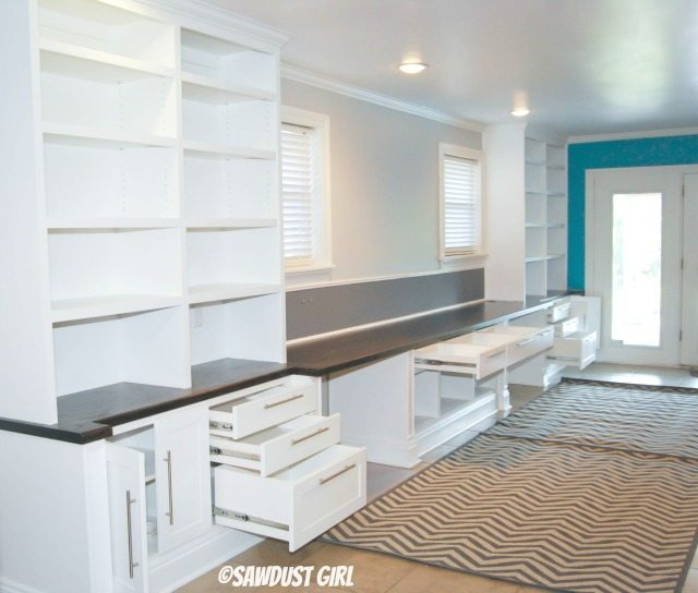 Built-in Office Cabinets https://sawdustdiaries.com