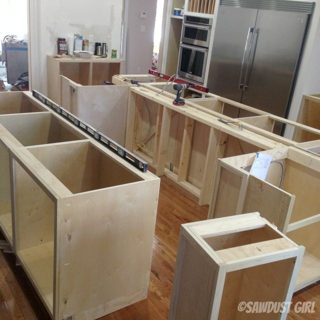 Configuring kitchen island cabinets
