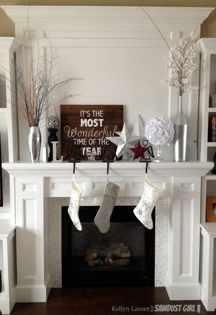 Mantel_holiday_sign