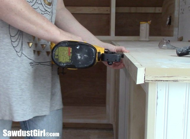 Attaching face to countertops