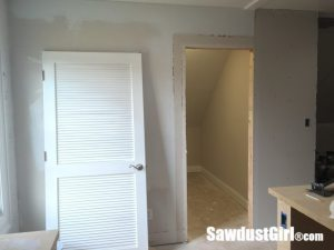 Extending wall for barn door