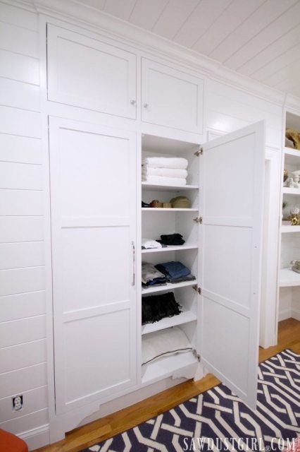 Built-in Closet Shelving