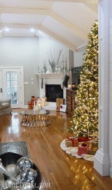 Christmas House Tour 2017 - SawdustGirl.com