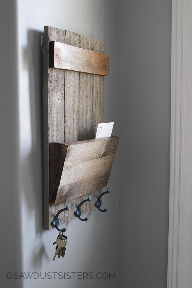 Farmhouse Style Shiplap Wall Key Holder