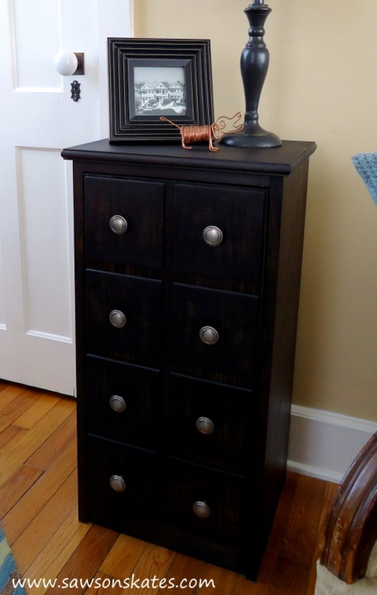 Perfect! This small DIY apothecary cabinet would be prefect as end table, night stand or for storage in the bathroom. Plus the plans are easy to follow. Putting this project my to do list!