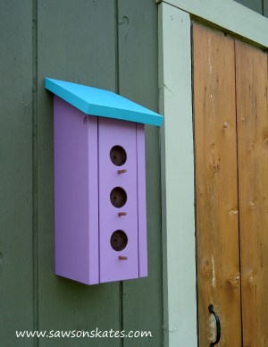 Birdhouse Poop Bag Dispenser shed close up