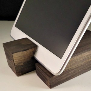 DIY Rustic Mod Tablet Holder