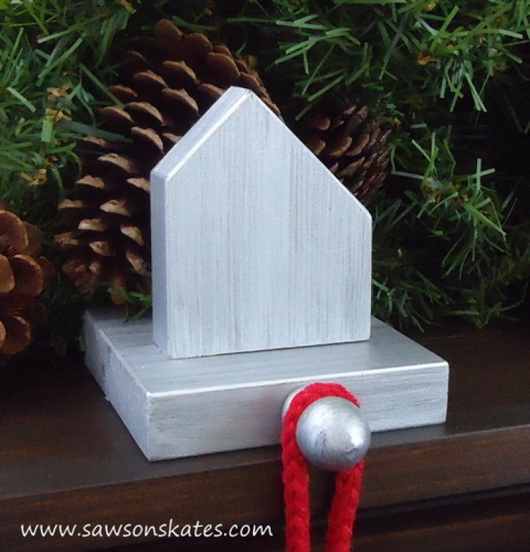 stocking holder salt box mantle