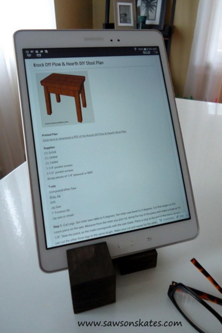 tablet holder done 2
