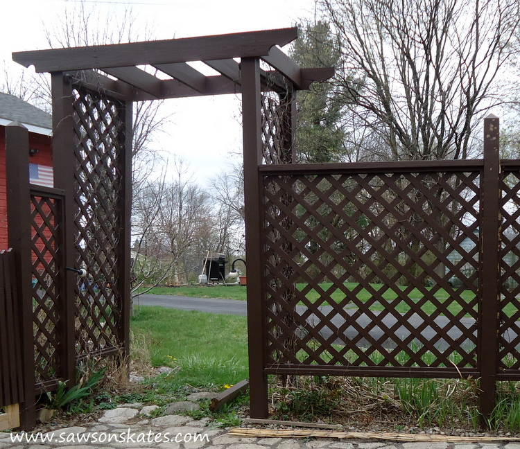 DIY Privacy Fence before east