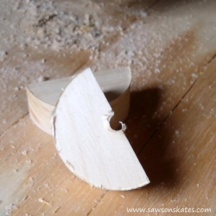 DIY Painted Wooden Vintage Camper Napkin Holder - Make the wheels 3