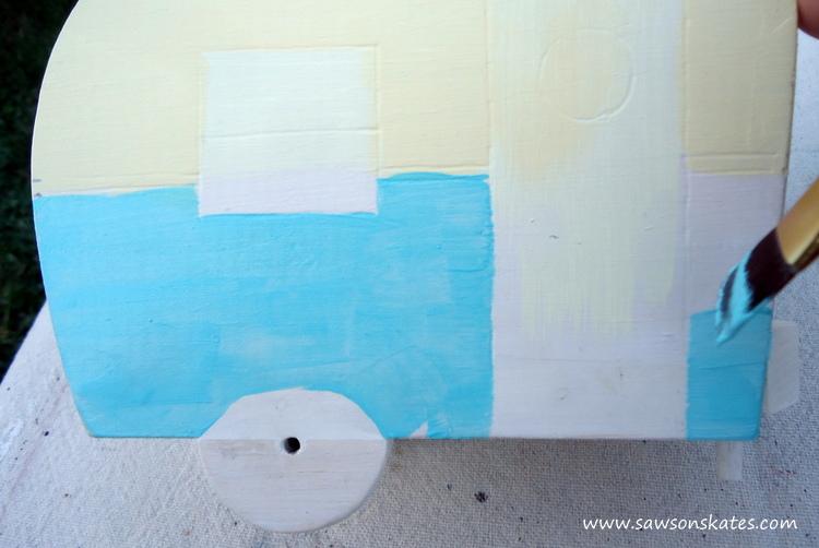 DIY Painted Wooden Vintage Camper Napkin Holder - Paint the camper 1
