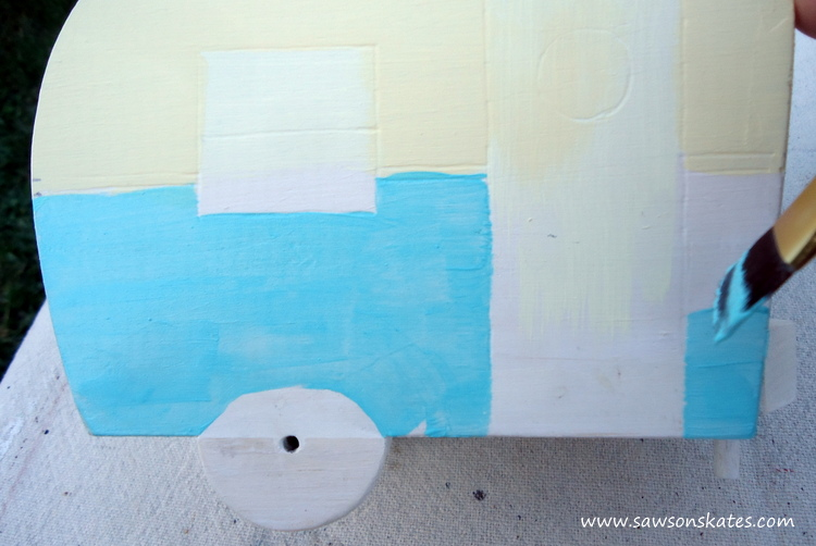 DIY Painted Wooden Vintage Camper Napkin Holder - Paint the camper 1